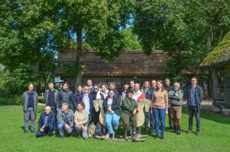 Nuo tvorų iki stogų – seminare gilintos žinios apie medinį paveldą